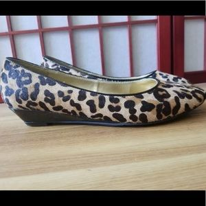 Merona Calf Hair Leopard Print Low Wedge Sz9